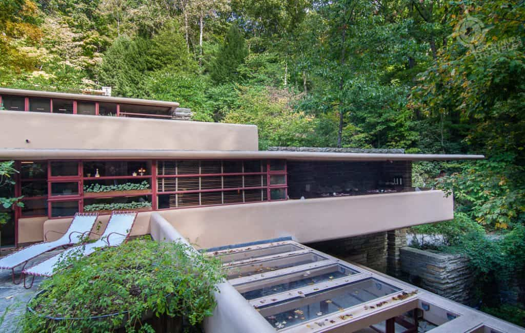 Fallingwater House horizontal profile
