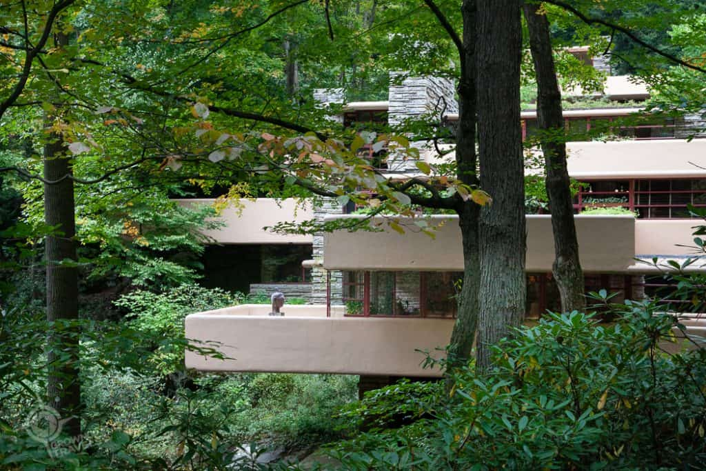 Fallingwater cantilevered terraces