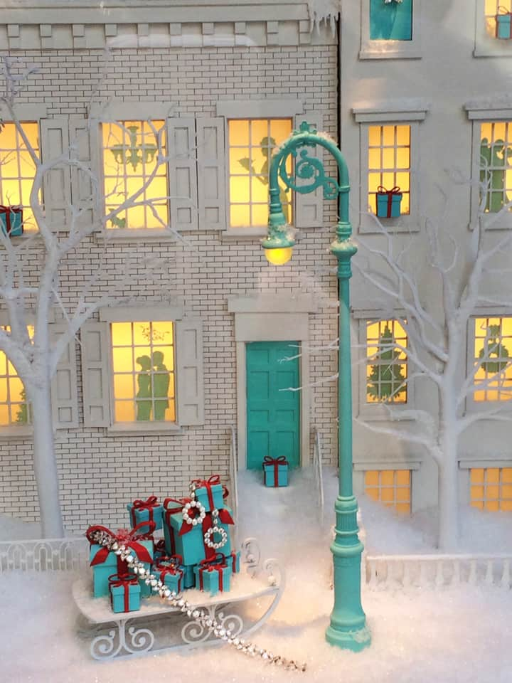 Tiffany's miniature streetscapes in their Fifth Avenue windows. Complete with bling, of course!