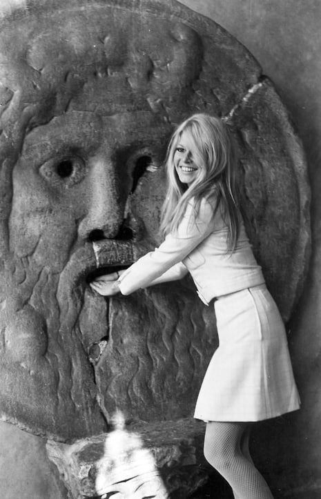 Brigitte Bardot trying her hand at La Bocca della Veritå