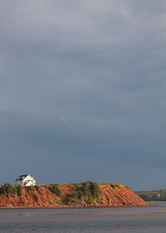 Maritimes PEI harbour house