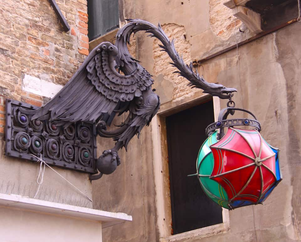 Venice hanging dragon with umbrella house ornament