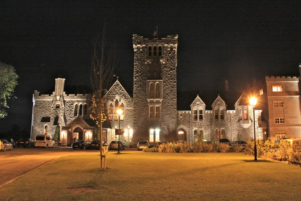 Ireland - Klronan castle by night