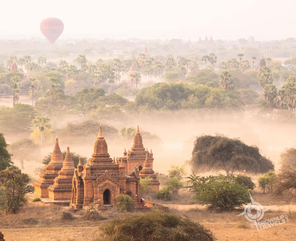 Bagan misty balloon