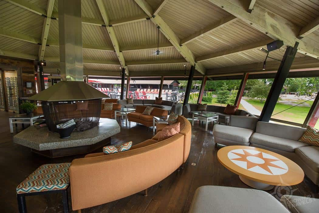 Killarney Mountain Lodge Carousel Lounge