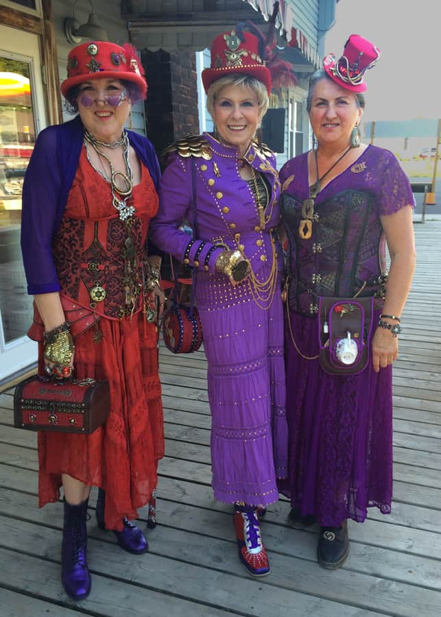 Even the Red Hatters were represented with 3 Steampunked society gals