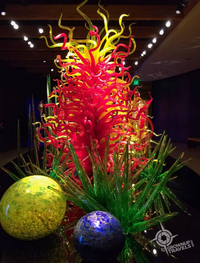 chihuly fire garden sculpture