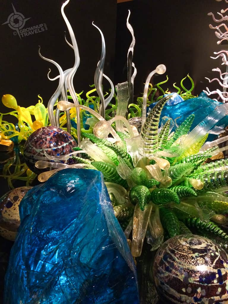 chihuly blue crystal garden