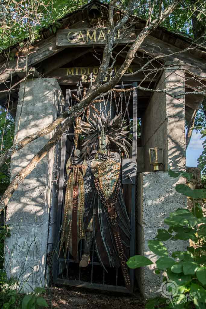 Midlothian gate guardian