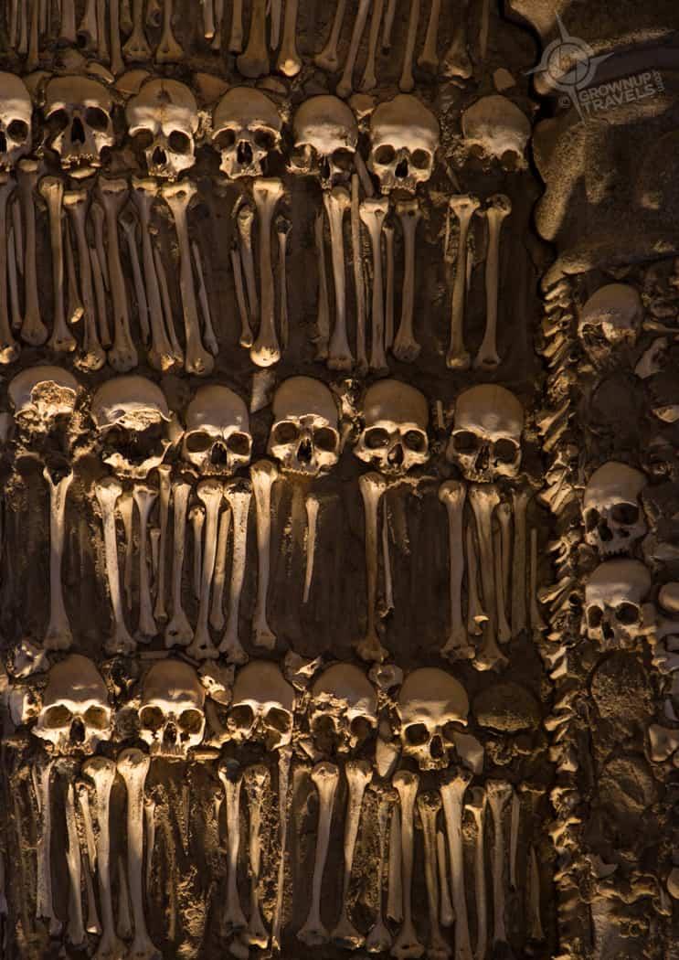 Evora Ossuary spooky lighting