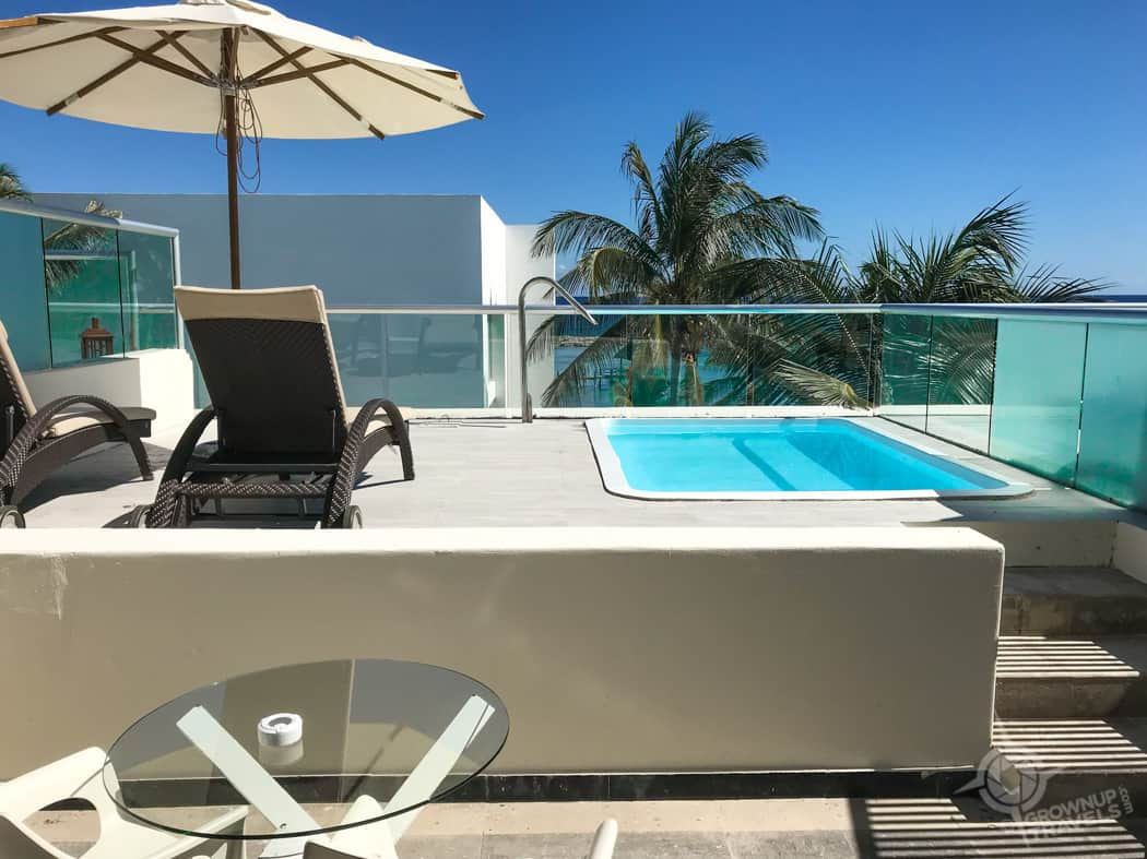Plunge pool on terrace Grand Oasis Tulum