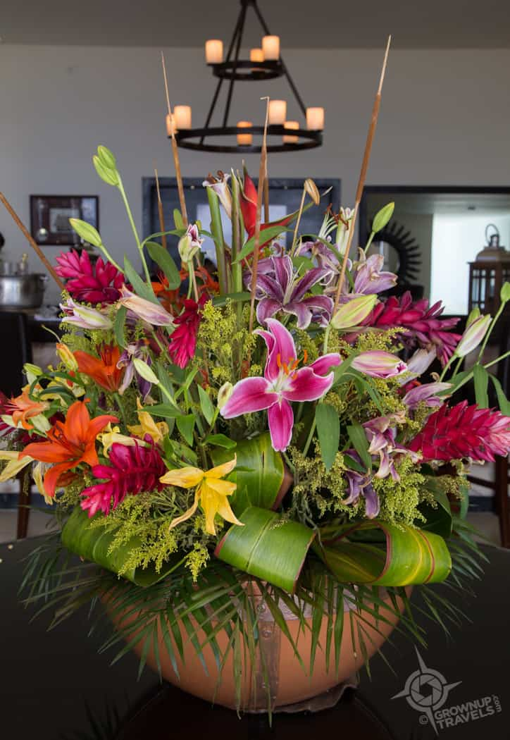 Floral arrangement Champagne Lounge Grand Oasis Tulum