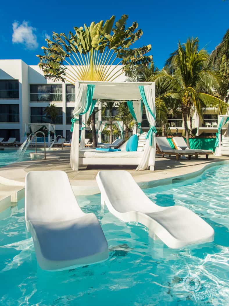 in-pool loungers Grand Oasis Tulum