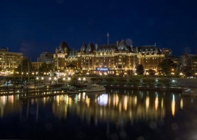 Empress Hotel Victoria harbour at night