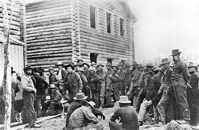 Miners_register_claims Dawson City 1898 Yukon