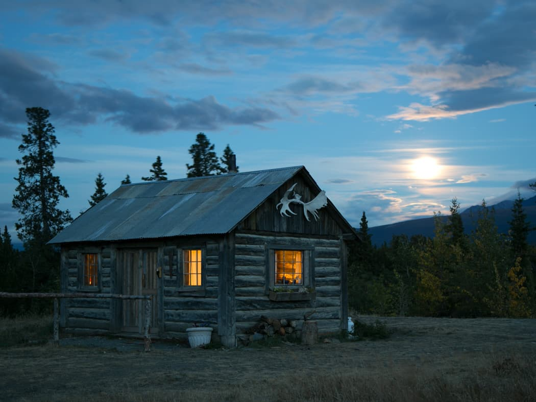 Mount Logan Lodge cabin