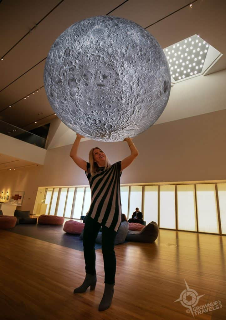 Jane holding up the moon Aga Khan