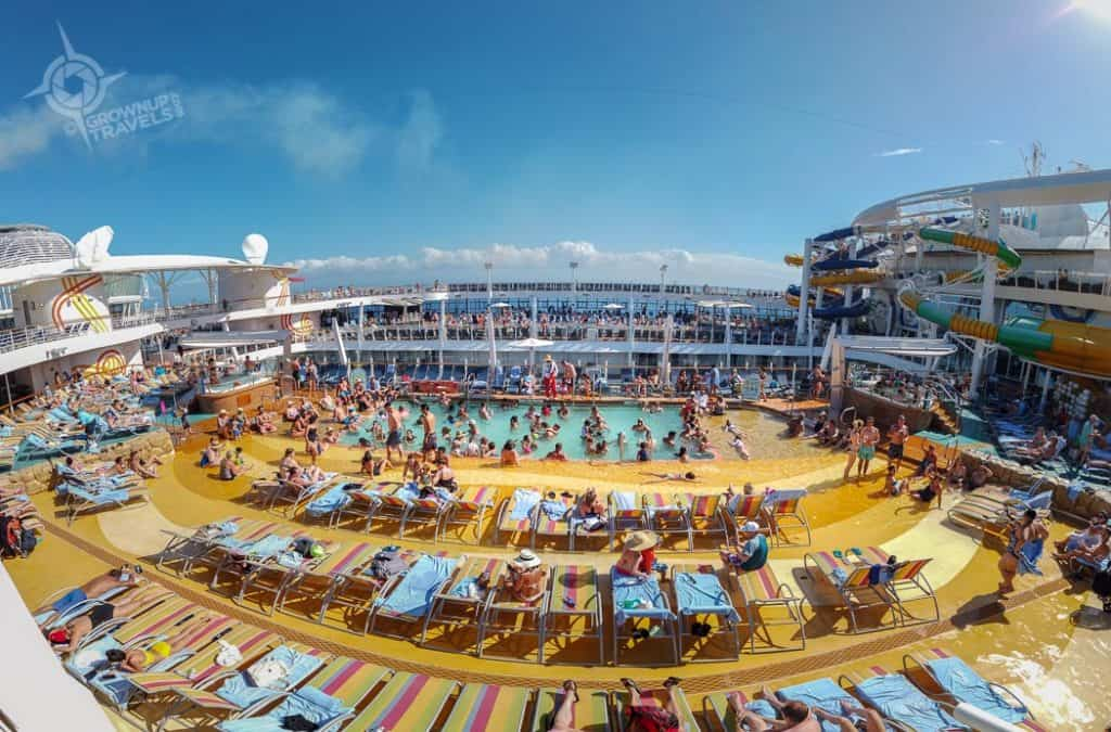 Pool Panorama on Harmony of the Seas