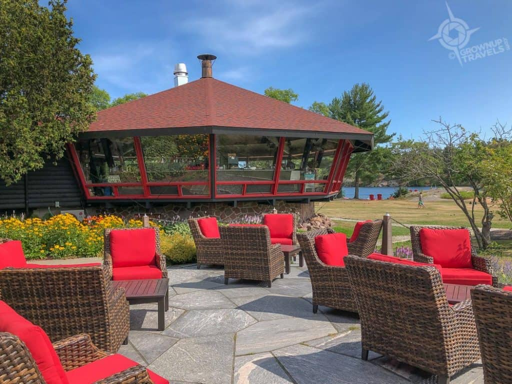 Killarney Mountain Lodge's iconic lounge