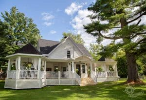 North Hatley accommodations Le Chat Botte