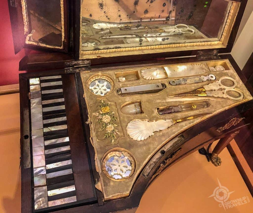 Piano music box manicure set MIM Phoenix