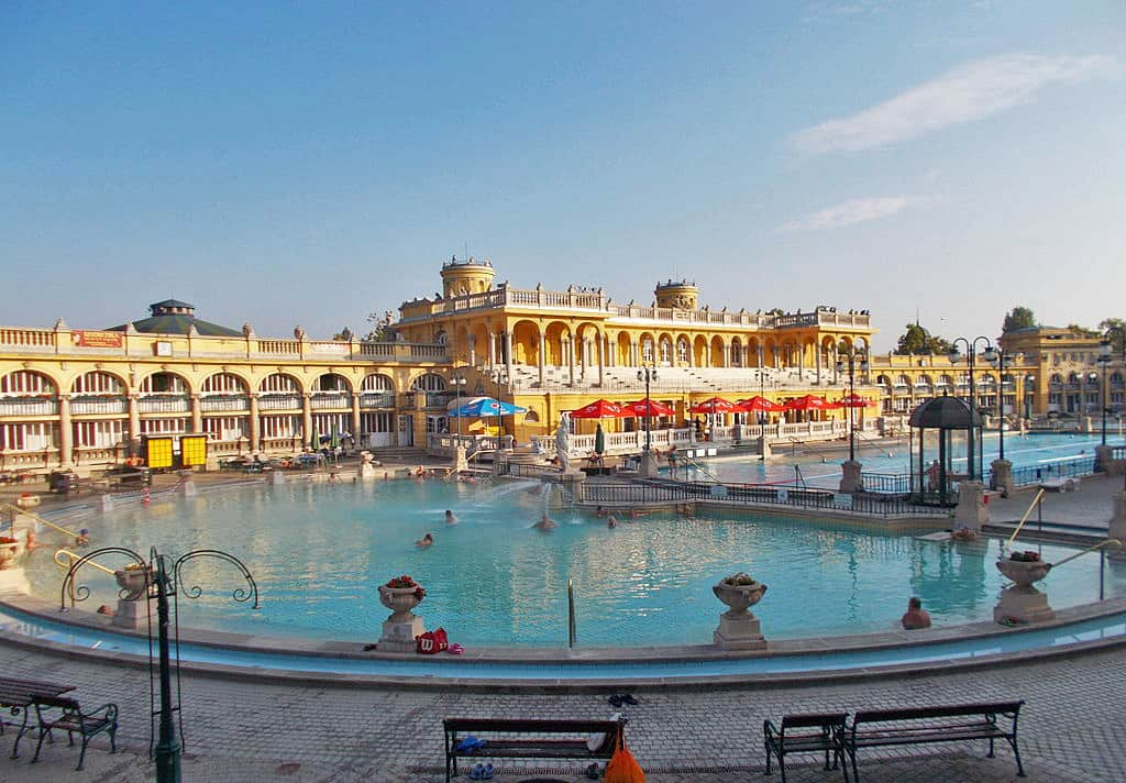 View_of_Szechenyi_baths_outdoor_pool.