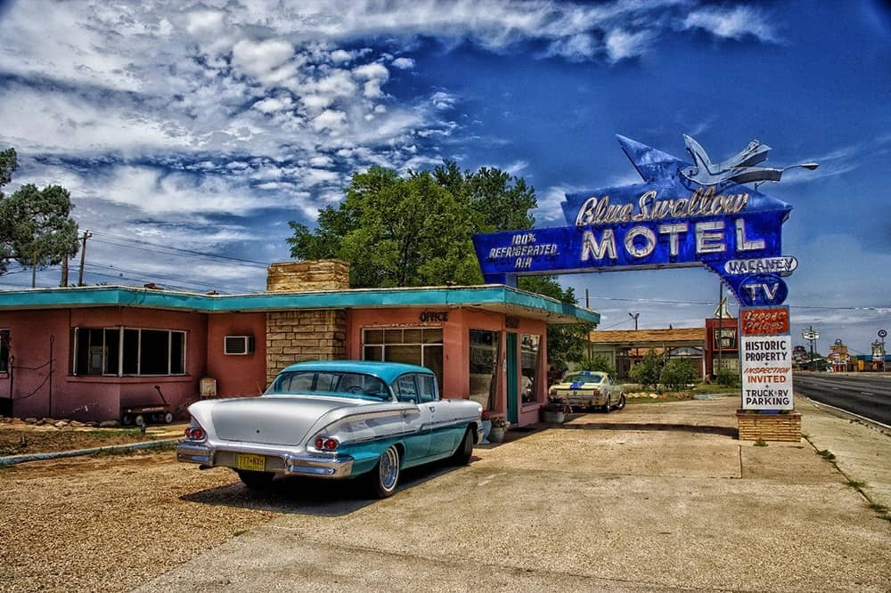 Motel and vintage car from Pixabay