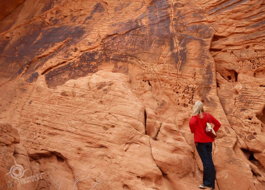 Valley of Fire Jane and petroglyphs